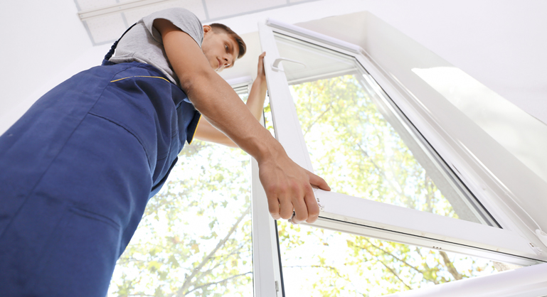 Which is a Better Window Solutions for Your Home: Replacement or Repairing